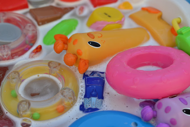 Cleaning Toys with an All-Natural Disinfectant Rinse